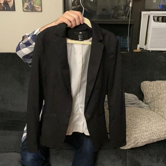 Only worn twice super chic blazer!